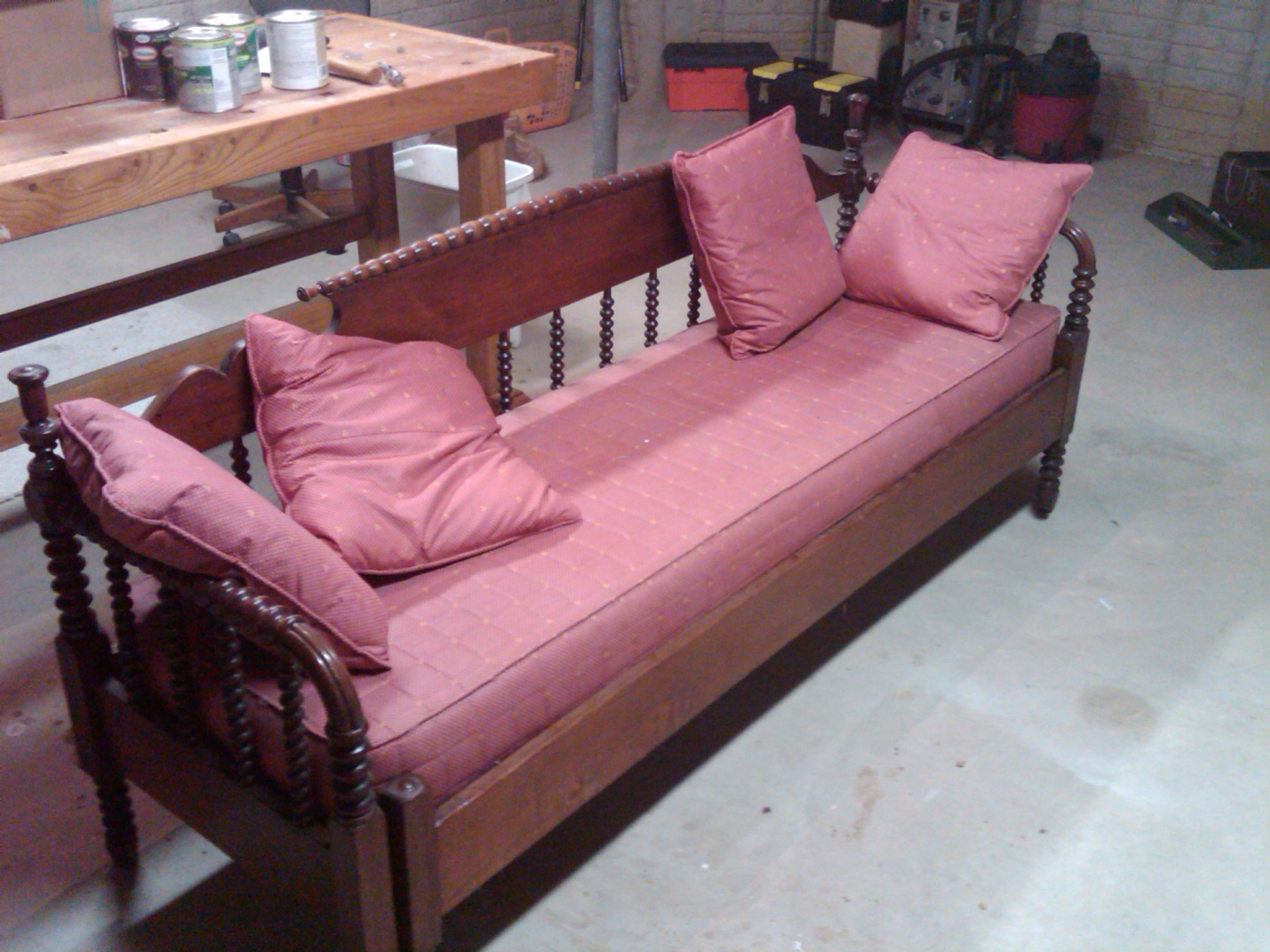 Antique Daybed Trundle Bed