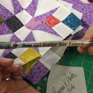 Gel roller pen